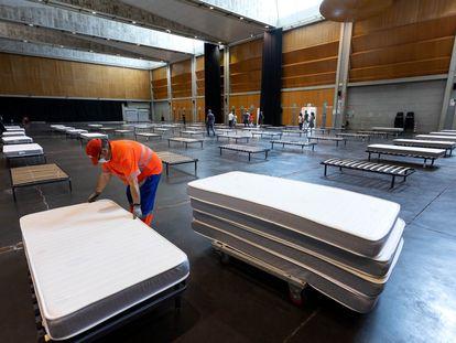La sala multiusos de Zaragoza se ha habilitado para alojar a pacientes asintomáticos o con síntomas leves.