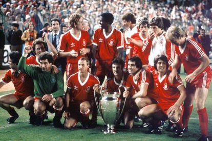 El Nottingham Forest, después de ganar su segunda Copa de Europa en mayo de 1980 en el Santiago Bernabéu.