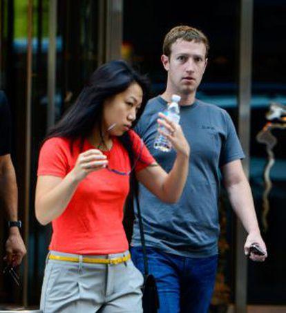 Mark Zuckerberg y su mujer, Priscilla Chan, paseando por Nueva York.