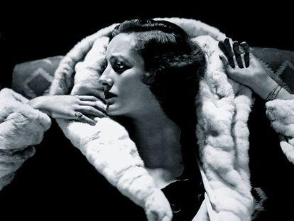 La estrella del celuloide Joan Crawford vista a través de la lente de George Hurrell.