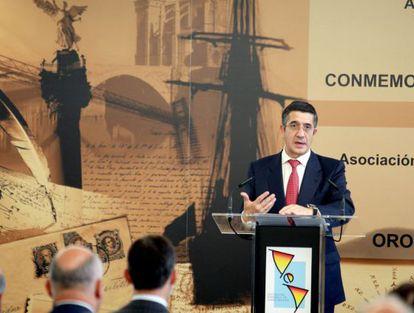 El 'lehendakari', Patxi López, durante su intervención en la Universidad de Deusto.