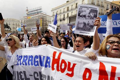 Ciudadanos y familias con vínculos en Nicaragua se concentran el sábado 22 en la Puerta del Sol, en Madrid.
