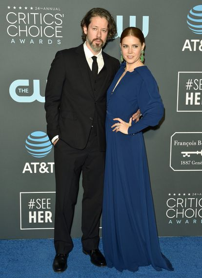 Amy Adams y su esposo, Darren Le Gallo, a su llegada a los Critics' Choice Awards en 2019.