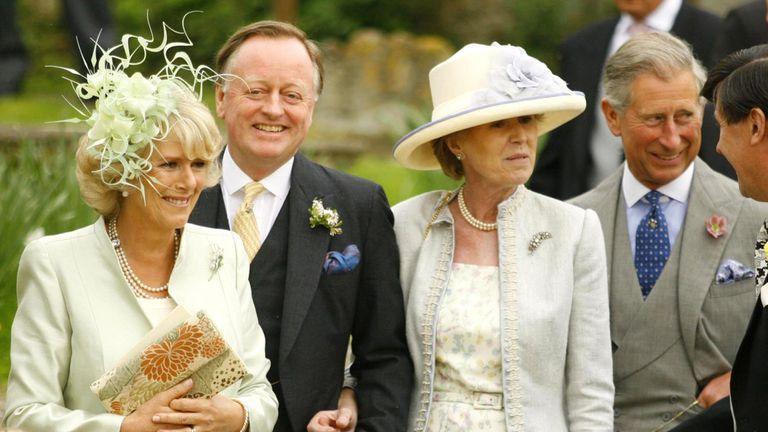 Andrew Parker Bowles El Hombre Que Permitio El Romance De Su Esposa Y Carlos De Inglaterra Gente El Pais