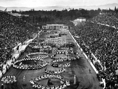 La inauguración, el 6 de abril de 1896, de los Juegos de Atenas en el estadio Panathinaikó.