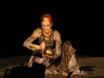 Un momento de 'Medea la extranjera', de Atalaya Teatro.