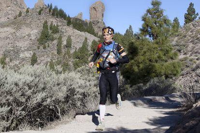La atleta Emma Roca, en una imagen de archivo durante su participación en la The North Face Transgrancanaria, una de las carreras de montaña más importantes del circuito mundial.