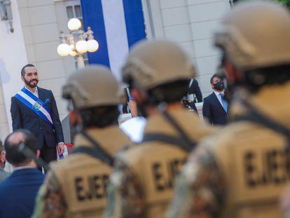 El presidente Nayib Bukele durante una ceremonia por el bicentenario de la independencia de El Salvador, el 15 de septiembre en San Salvador.