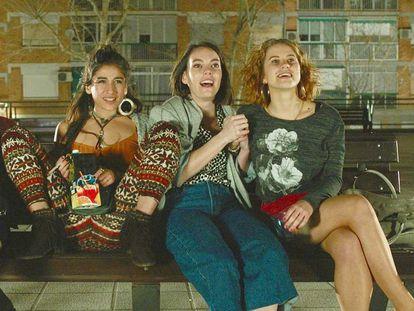 Desde la izquierda, Ángela Cervantes, Carolina Yuste, Vicky Luengo y Elisabet Casanovas en 'Chavalas'