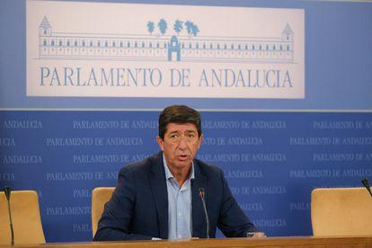 El vicepresidente de la Junta de Andalucía, Juan Marín, durante la rueda de prensa en el Parlamento regional. / CIUDADANOS