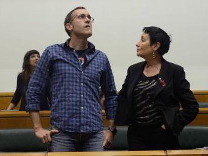 Julen Arzuaga expresa su desprecio  más absoluto  a los cuerpos de seguridad y el PP abandona el pleno del Parlamento vasco