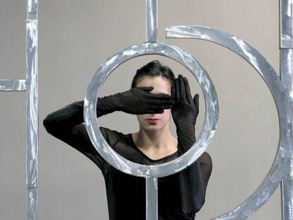 Escultura de aluminio de Osías Yanov, donada por Phelps de Cisneros al Reina Sofía.