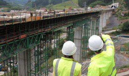 Las competencias de técnicos e ingenieros se han complicado con el plan Bolonia.