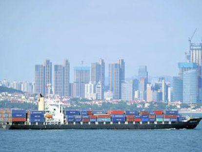 Pekín anuncia sanciones comerciales a bienes estadounidenses por valor de 60.000 millones de dólares