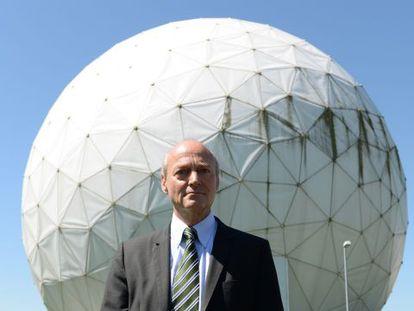 Gerhard Schindler, presidente de los servicios de inteligencia alemanes, en la sede del organismo en Bad Aibling, en el Estado de Baviera.