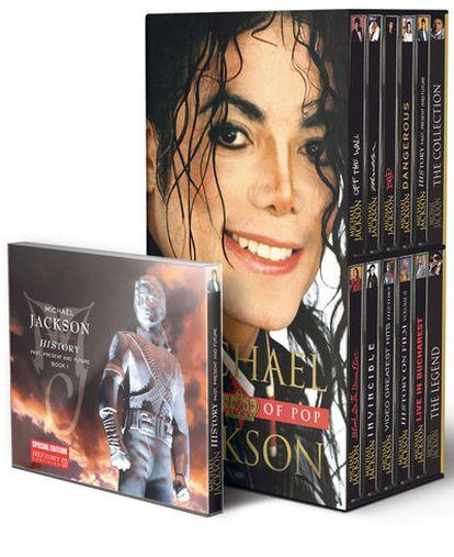 Ejemplares de la colección de discos y vídeos de EL PAÍS que repasa la carrera de Michael Jackson.