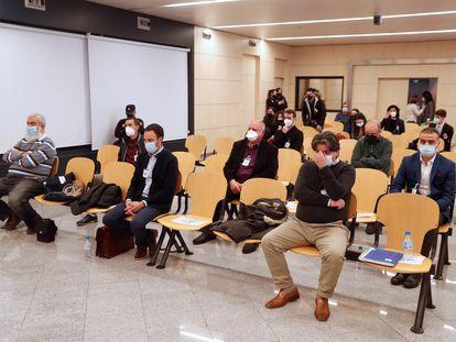 Los acusados por el supuesto envío de material militar a grupos yihadistas, durante el juicio celebrado en la Audiencia Nacional.