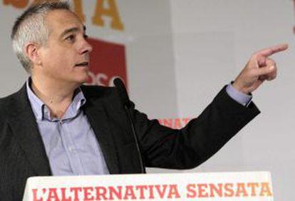 Pere Navarro, durante su intervención ayer en la reunión del Consell Nacional del partido para aprobar el programa electoral del PSC.