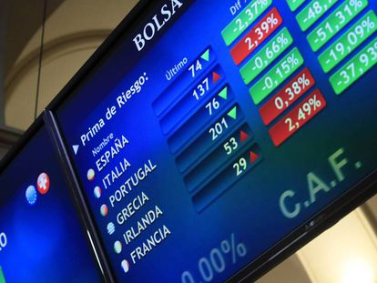 Panel de la Bolsa de Madrid con los principales valores de la prima de riesgo en una imagen de los pasados días.