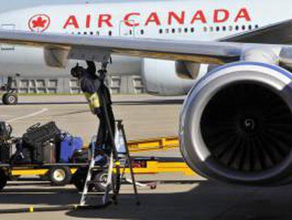 Fotografía disponible que muestra un avión de Air Canada. EFE/Archivo