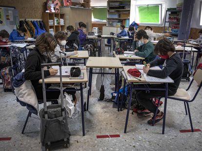Alumnos de un colegio público de Valencia en el curso 2020/2021.