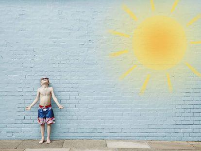 Niño disfrutando en verano.