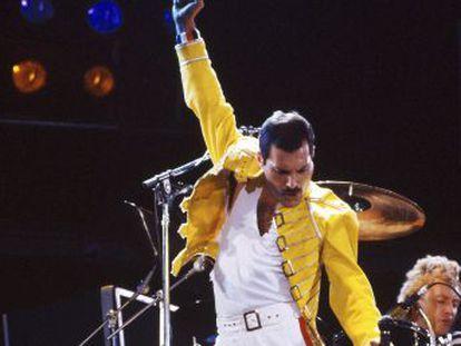 Hoy se cumplen 25 años sin el líder de Queen. En esta grabación de un concierto de Wembley están resumidos sus poderes