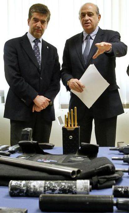Cosidó y Fernández Díaz, en un acto de la policía.
