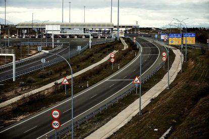 Autopista de peaje M12, que une Madrid con el aeropuerto de Barajas.