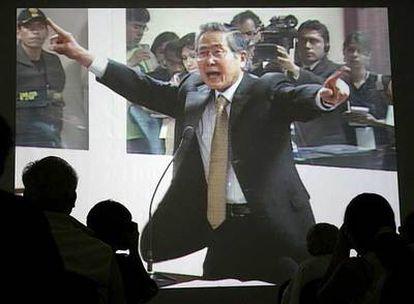 Foto de archivo, tomada en diciembre de 2007, durante uno de los juicios al ex presidente peruano, Alberto Fujimori