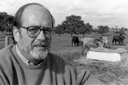 Jaime de Pablo Romero, en la finca de la ganadería./ JOSÉ MANUEL PÉREZ CABO