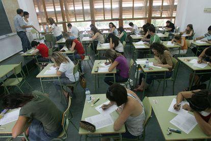 Un examen de oposiciones docentes en Cheste (Valencia).