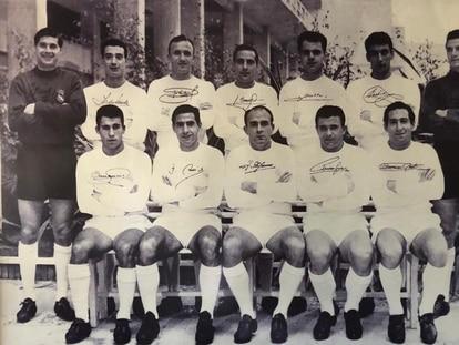 Arriba, de izquierda a derecha, Vicente, Isidro, Santamaría, Casado, Müller, Pachín y Araquistain; abajo, Amancio, Félix Ruiz, Di Stéfano, Puskas y Gento.