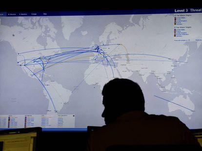 Centro para rastrear delitos financieron en Internet en Broomfield (EE UU).