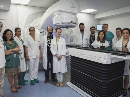 Acelerador lineal para pacientes oncológicos en el hospital Virgen de las Nieves, en Granada, adquirido el año pasado gracias a la Fundacion Amancio Ortega.