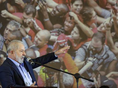 El expresidente de Brasil Lula da Silva habla durante un mitin en Sao Bernardo do Campo, São Paulo, el 10 de marzo pasado.