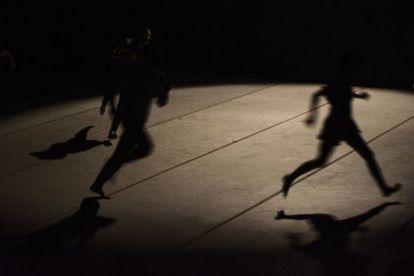 Un momento de 'Falling free', de la compañía Sharon Fridman.