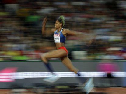La atleta venezolana Yulimar Rojas voló hasta los 14,91 metros para llevarse el oro en los mundiales de atletismo de Londres.