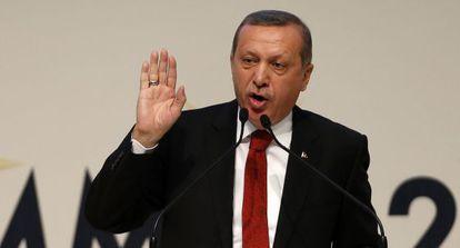El primer ministro turco, Recep Tayyip Erdogan, durante un mítin del AKP.