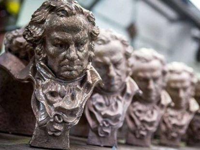 Estatuillas del premio Goya.