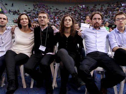 El núcleo fundacional de Podemos tras la primera asamblea ciudadana de Vistalegre, en 2014.