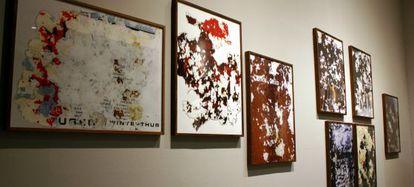 Intervención del artista Joan Fontcuberta en la exposición 'No tocar, por favor'.