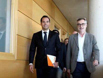 El partido de Albert Rivera niega haber negociado con Vox pese a la reunión en Madrid