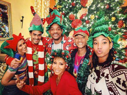 Will Smith felicita la Navidad junto al resto de su familia.