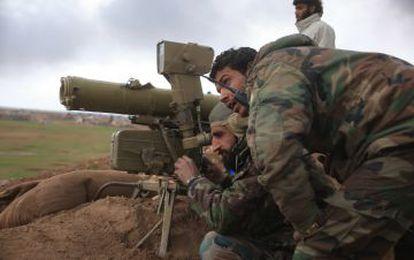 Combatientes prorégimen, a las afueras de El Bab, en la provincia de Alepo, en el norte del país.