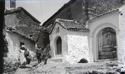 Fotografía tomada por el capitán Bosch Díaz en la localidad de Xauen, en una fecha sin determinar.