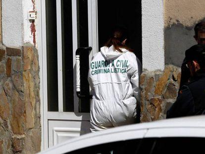 La Guardia Civil investiga en una casa de Castrogonzalo (Zamora) después de ser hallado el cuerpo de la joven de 33 años.