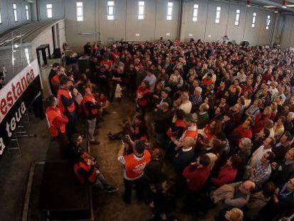 Una imagen de la asamblea de trabajadores de RTVV celebrada hoy en el centro de producciones de Burjassot.