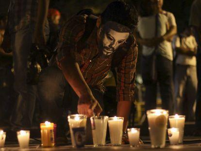 Ciudadanos protestan por el asesinato de periodistas.