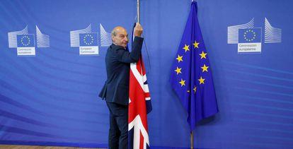 Las banderas británica y europea, el día del lanzamiento de la negociación del Brexit en Bruselas.